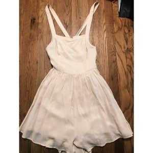 """SIZE 4 URBAN OUTFITTERS """"kimchi blue"""" romper"""